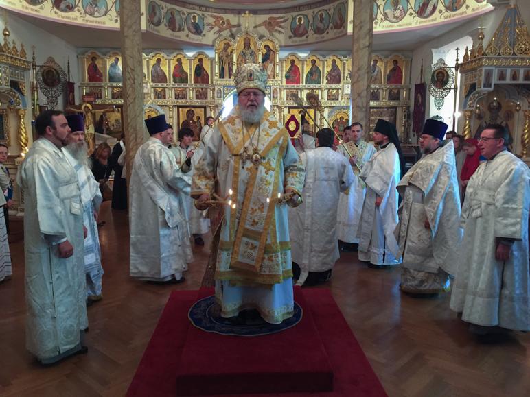 Нью-Йорк: В день памяти святых Кирилла и Мефодия Митрополит Иларион возглавил Литургию Знаменском Синодальном соборе