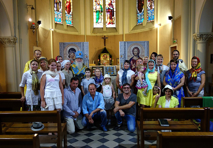 продолжается пребывание Курско-Коренной иконы в храмах Европы