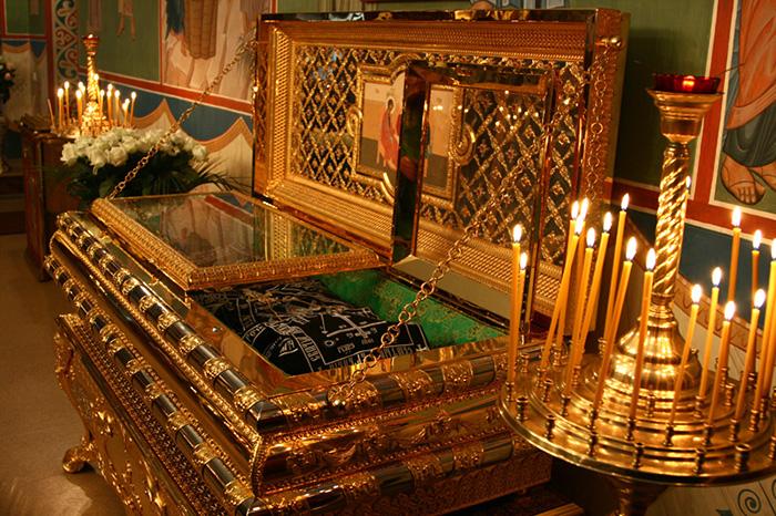 Преподобный Феофил Киевский. Рака с мощами