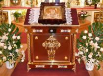 Накануне праздника Пасхи Иоанно-Предтеченский собор Бруклина благоукрасился новой утварью