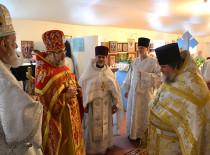 В день памяти великомученика Георгия в храме иконы «Нечаянная Радость» было совершено архиерейское богослужение