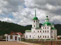 Батуринский Сретенский женский монастырь
