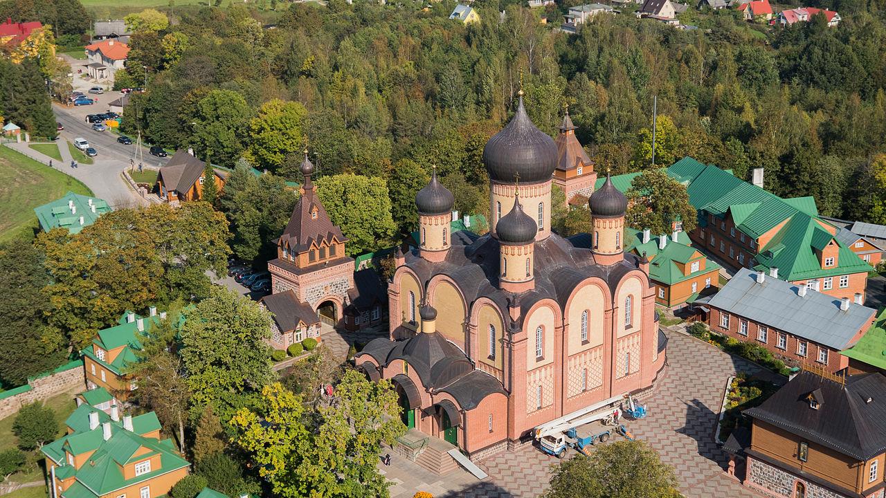 Пюхтицкий Успенский монастырь