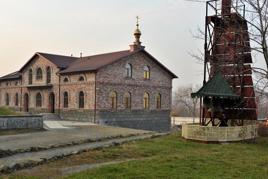 Серафимовский монастырь на острове Русский