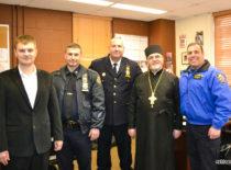 Благочинный Нью-Йорка поблагодарил полицейских за помощь в проведении Пасхального богослужения