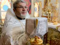 В пасхальные дни верующие Бруклина помолись у многоцелебных мощей святых Киприана и Иустины